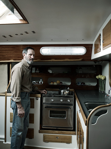 Lee-Emmert-Portland-Lifestyle-Portrait-Advertising-Photographer-Portlandia-Houseboat