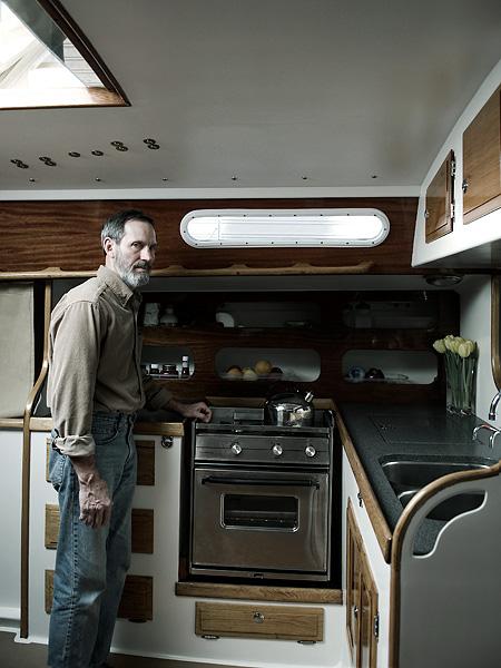 Lee-Emmert-Portland-Lifestyle-Portrait-Advertising-Photographer-Portlandia-Houseboat